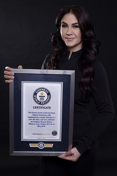viridiana-posed-with-certificate-portrait